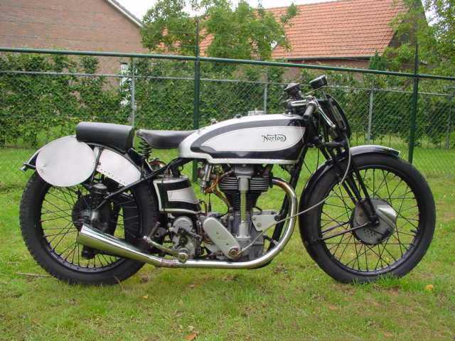 Norton_1937_Manx_1.jpg