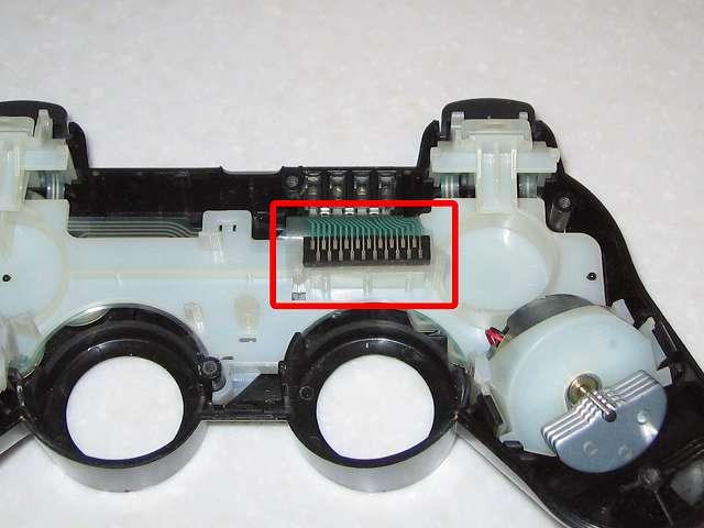 DS3 Dualshock3 デュアルショック3 Wireless Controller Black CECHZC2J A1 誤作動対策(Random Button Error Fix)、コントローラー本体下部プラスチックカバーを開け電子回路基板を取り外す