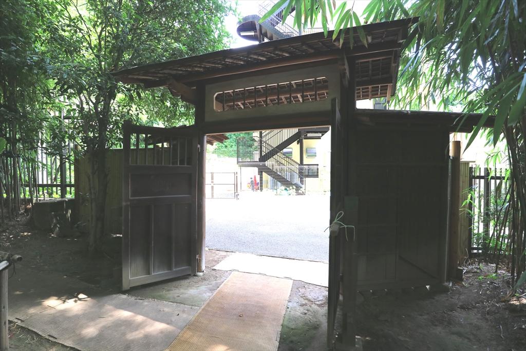 旧横尾家住宅椀木(うでぎ)門_2
