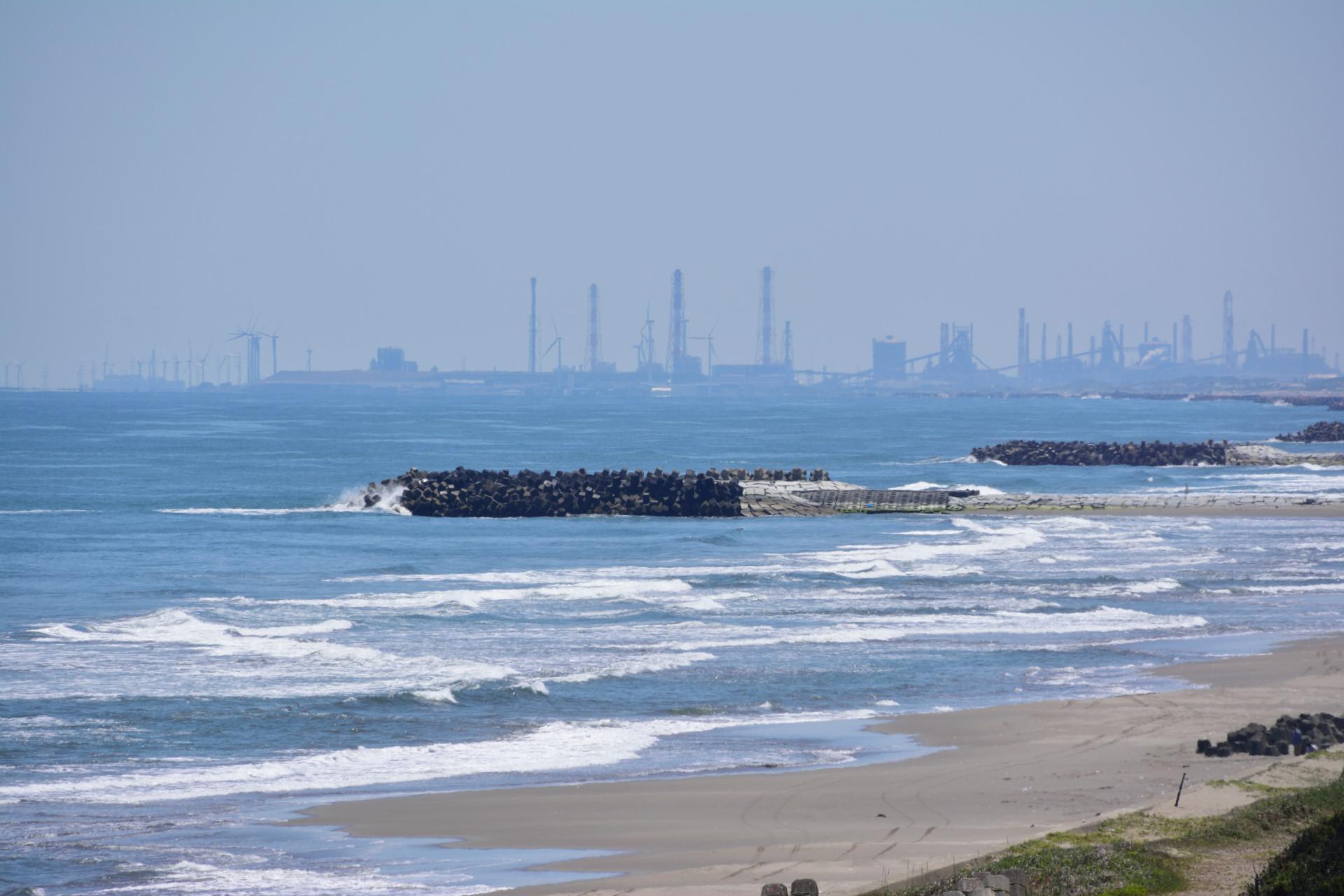 鹿島灘海浜公園からの鹿島臨海工業地帯