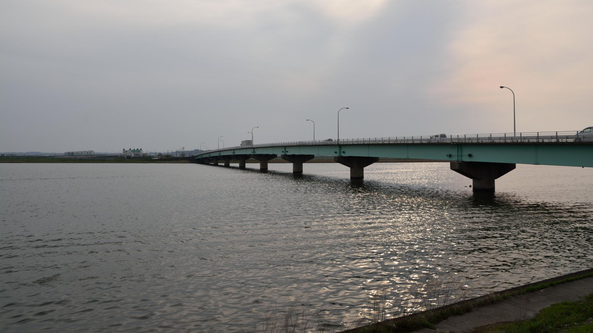 常陸川に架かる息栖大橋