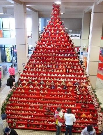 日本一高いピラミッドひな壇⑯