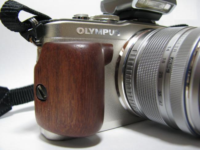 E-PL5 木製グリップ2