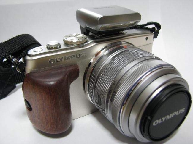 E-PL5 木製グリップ1
