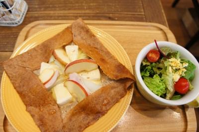 【シャンデレール】ノルマンディ りんごの丸ごとオーブン焼き