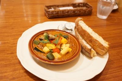 【Afternoon Tea】夏野菜とチキンマンゴーカレー