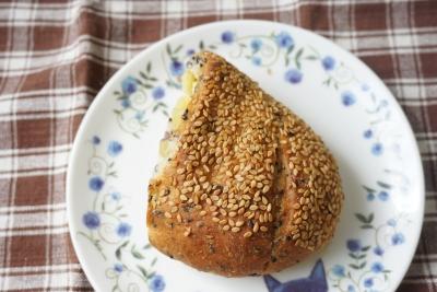 【ジュブリルタン】さつまいもと胡麻のパン