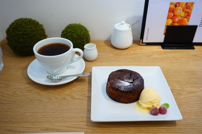 【KINGLY COFFEE】温かいチーズケーキ