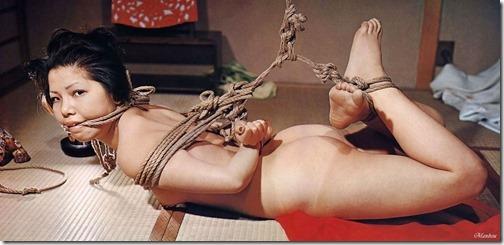 【SM緊縛エロ画像】始めるまでは緊張する夫婦のSM調教エロ画像24