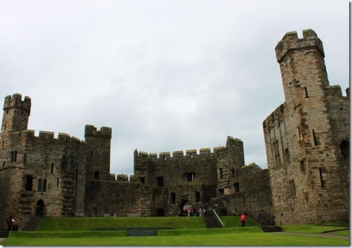36【世界の快道でイク!西欧ウェールズ(Wales)編】『天空の城』から舞い降りたエロ美しき王女達シータが捉えられた白のモデルとなったとされるカーナヴォン城