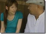 【夫婦生活妻の秘めごとエロ動画】夫が野球観戦している隙に、妻は不倫相手と野外で青姦。『青姦サイコー♪』04