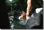 【夫婦生活妻の秘めごとエロ動画】混浴露天風呂は人妻のパラダイス。密通男の優しさも感じられて・・21