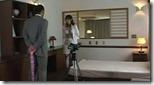 【綺麗なお姉さんのエロ動画】情事の枕元にはビデオ、モニターの前には同僚。見られてる前で痙攣マジ逝きの美人OL01