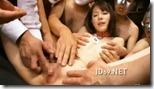 【夫婦生活妻の秘めごとエロ動画】奴隷市場に堕とされた人妻、複数の男にいじられ痙攣マジ逝き01