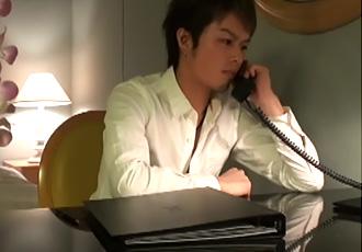 [男のプリケツ] 大阪出張、仕事が煮詰まった夜はデリバリー !!