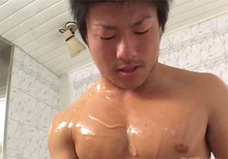 ゲイ動画:ガッツリプリケツ二重丸の体育会フル勃起 !!