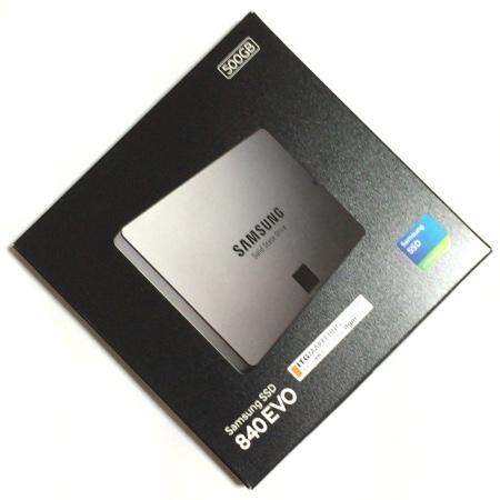 虹色くるくるとオサラバ! MacBook Pro のHDDをSSDに換装 〜【準備編】