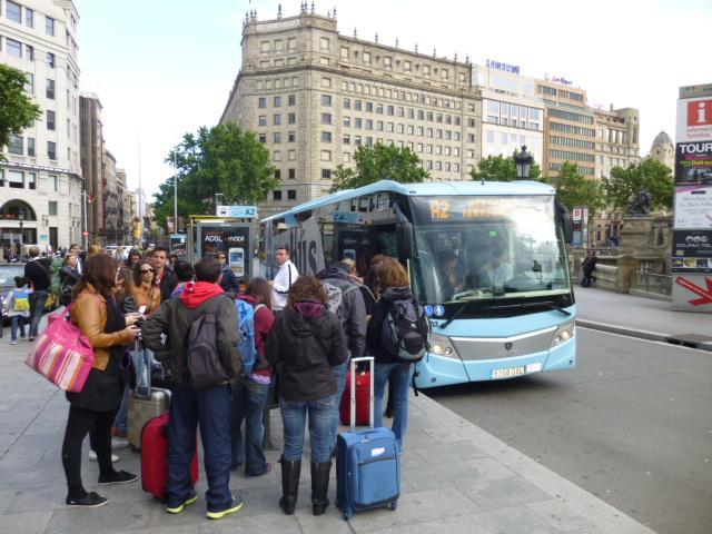 http://blog-imgs-75.fc2.com/r/i/b/ribochan/placa-catalunya-barcelona.jpg