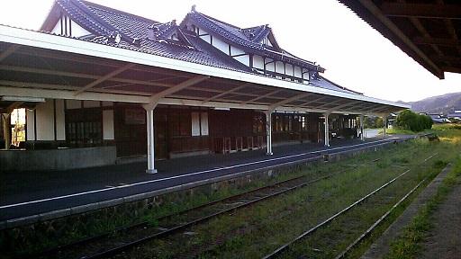 駅の裏側から・・