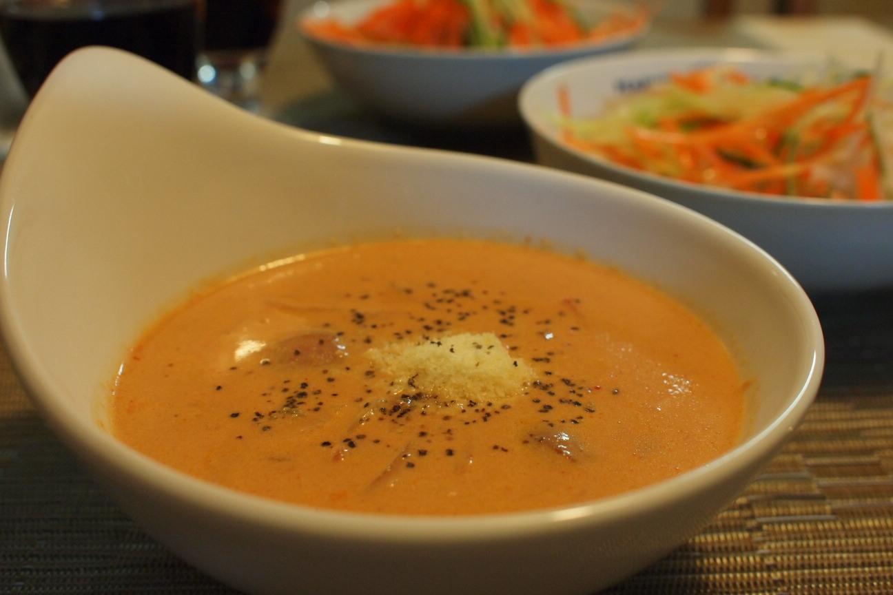 トマトと生クリームのスープ