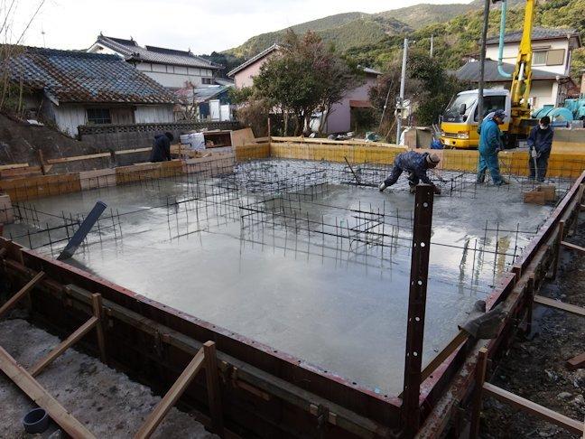 K島邸新築工事~基礎底盤コンクリート打設
