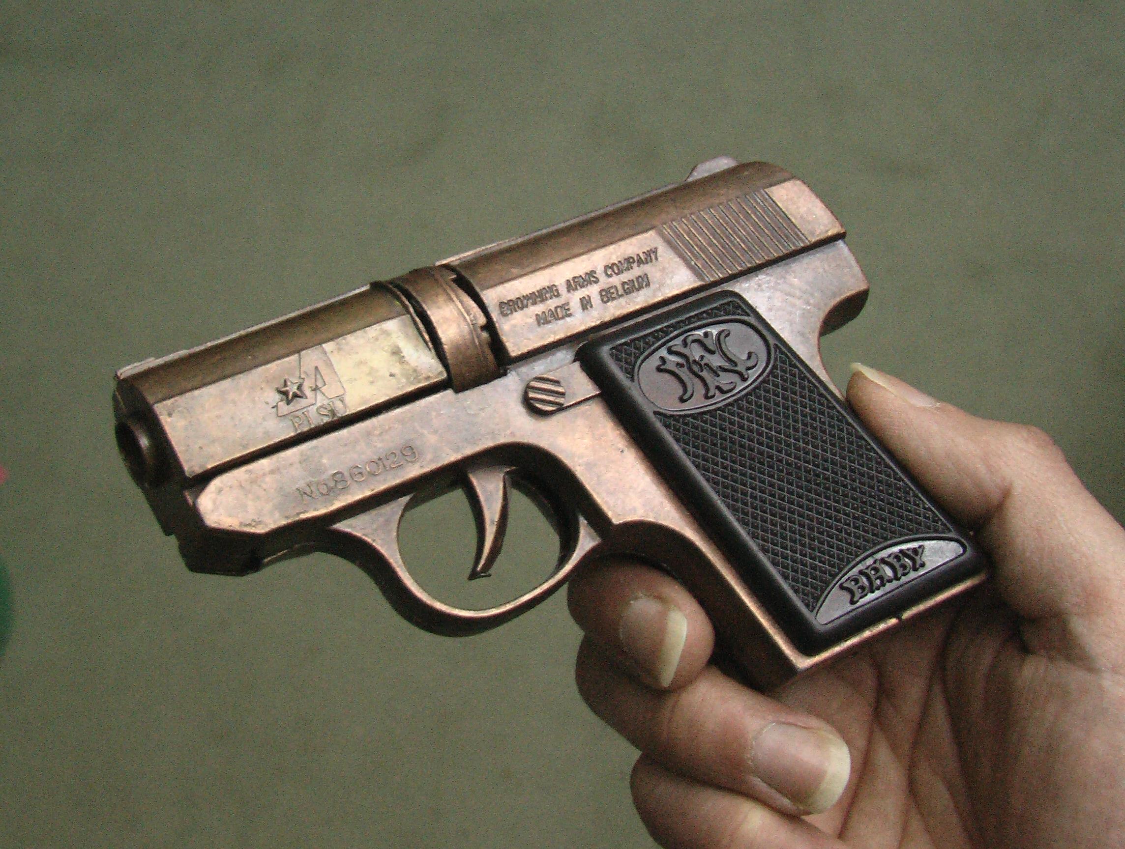 ブローニング・ベビー風火薬銃が...