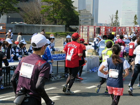 横浜マラソン2015 カープ
