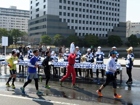 横浜マラソン2015 かぶりものランナー
